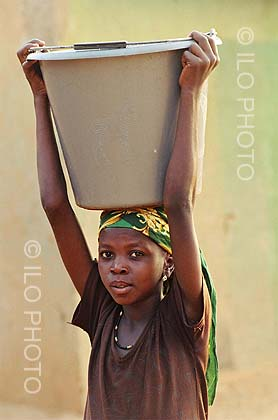 child laborer in niger